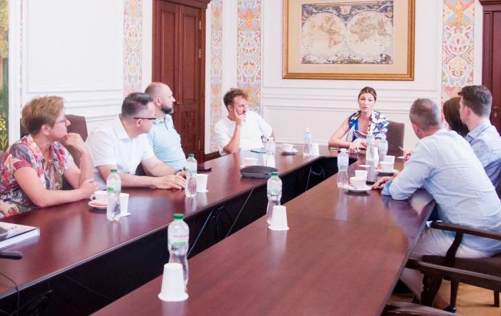 Еміне Джапарова відкрила зустріч Клубу шеф-дипломатів