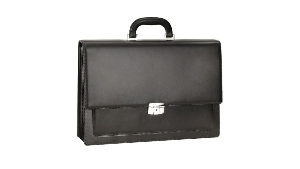 business-casual-clothing-for-men-bag