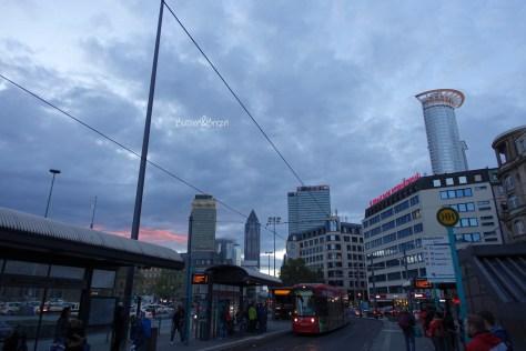 frankfurt_hauptbahnhof_skyline_02