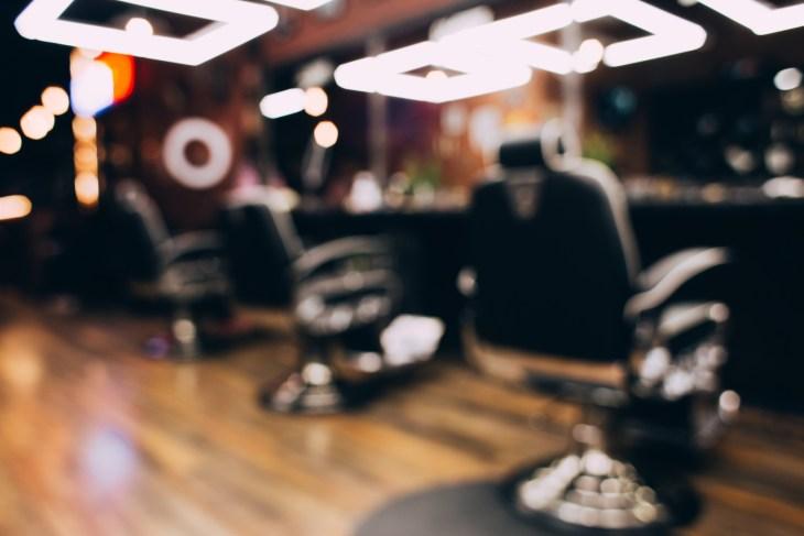 Barbershop.,Blurred,Background,Hairdresser,And,Hair,Salon,,Barber,Shop,For
