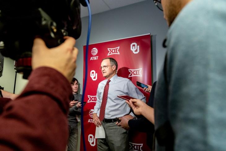 NCAA Basketballl USC vs Oklahoma Sooners, Tulsa, USA - 15 Dec 2018: OU head coach Lon Kruger speaks during postgame interview.