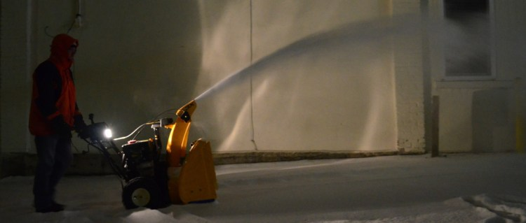 """Cub Cadet 3X 24"""" HD Snow Thrower Review"""
