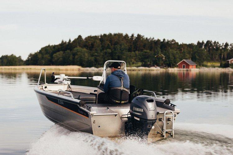 Buster M kalastusvene ja Yamaha F30 perämoottori