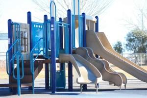 playground-648903_1920