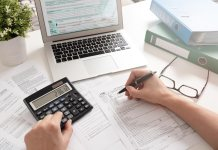 Invoicing expert tips to make tax time a breeze this EOFY - Invoice2go