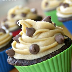 Cookie Dough Frosting / Busy Mom's Helper