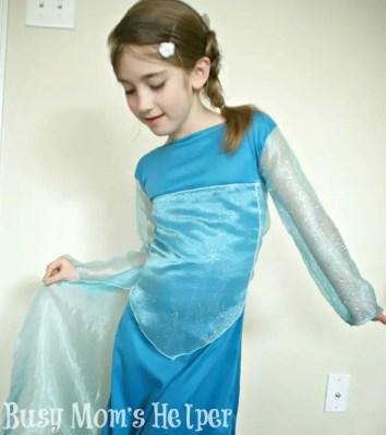Disney's Frozen Elsa Dress Tutorial / by Busy Mom's Helper #Frozen #ElsaDress #Costume