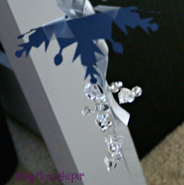 Elsa Frozen Chandelier / by www.BusyMomsHelper.com #Frozen #Elsa #DIY