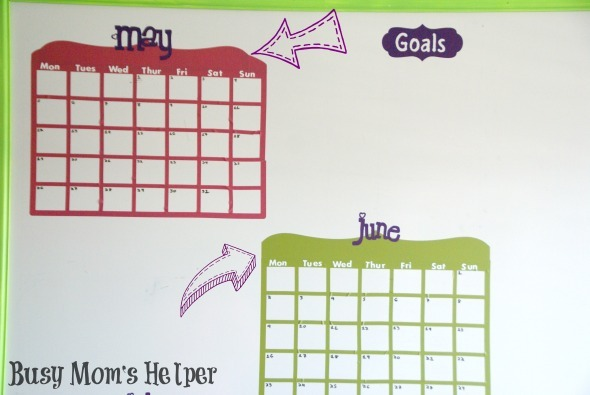 How I Organize My Blog Planning / by www.BusyMomsHelper.com #blogging #organization #dryerase #craftroom