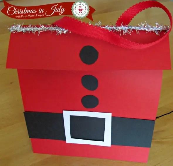 Super Easy Santa Bag / by Busy Mom's Helper #ChristmasinJuly #GiftBag #Santa #Christmas