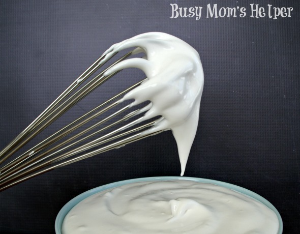 Homemade Marshmallow Cream / by Busy Mom's Helper #Marshmallow #Frosting