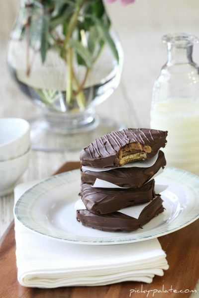 Chocolate Peanut Butter Sandwiches from Disneyland / by Picky Palate / Round up by Busy Mom's Helper