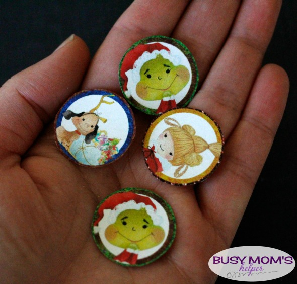 Bottle Cap Grinch Ornament Printables / a fun Grinch-themed holiday craft!