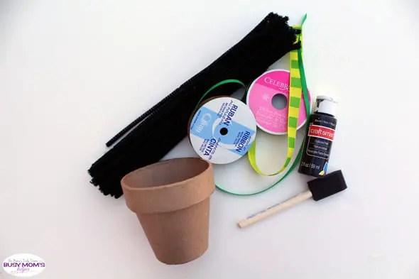 Saint Patrick's Day neighbor gift + free printable tag | supplies