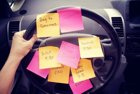 How to Stop Multitasking & Get More Done #busymoms #parenting #homemanagement #timemanagement #organization #tasklist #tips