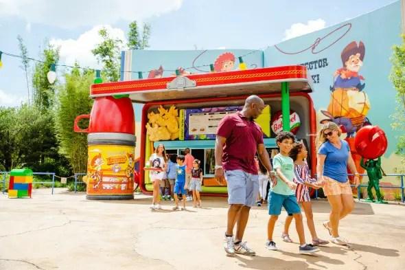 Guide to the new Toy Story Land at Disney's Hollywood Studios #waltdisneyworld #toystoryland #disney #hollywoodstudios #disneyworld #travel #familytravel