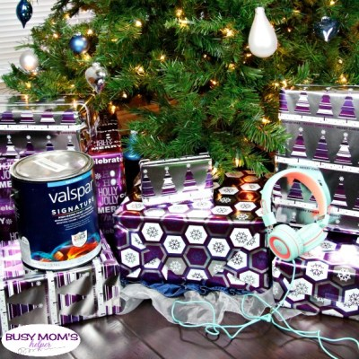 Holiday Gift Guide: Gifts for Teens / great gift ideas for teenagers and even tweens! #giftguide #giftideas #teengifts #teens #holidaygifts #holidayshopping