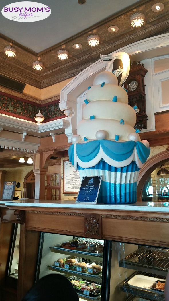 5 Great Places for Breakfast at Disneyland #disneyland #disneyparks #disneyfood #familytravel