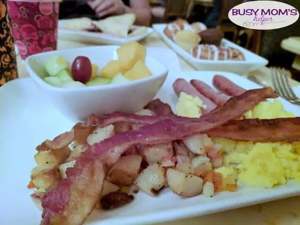 Disney Dining Plan Tips #waltdisneyworld #disneyfood #disneydining #disneyparks #travel #familytravel