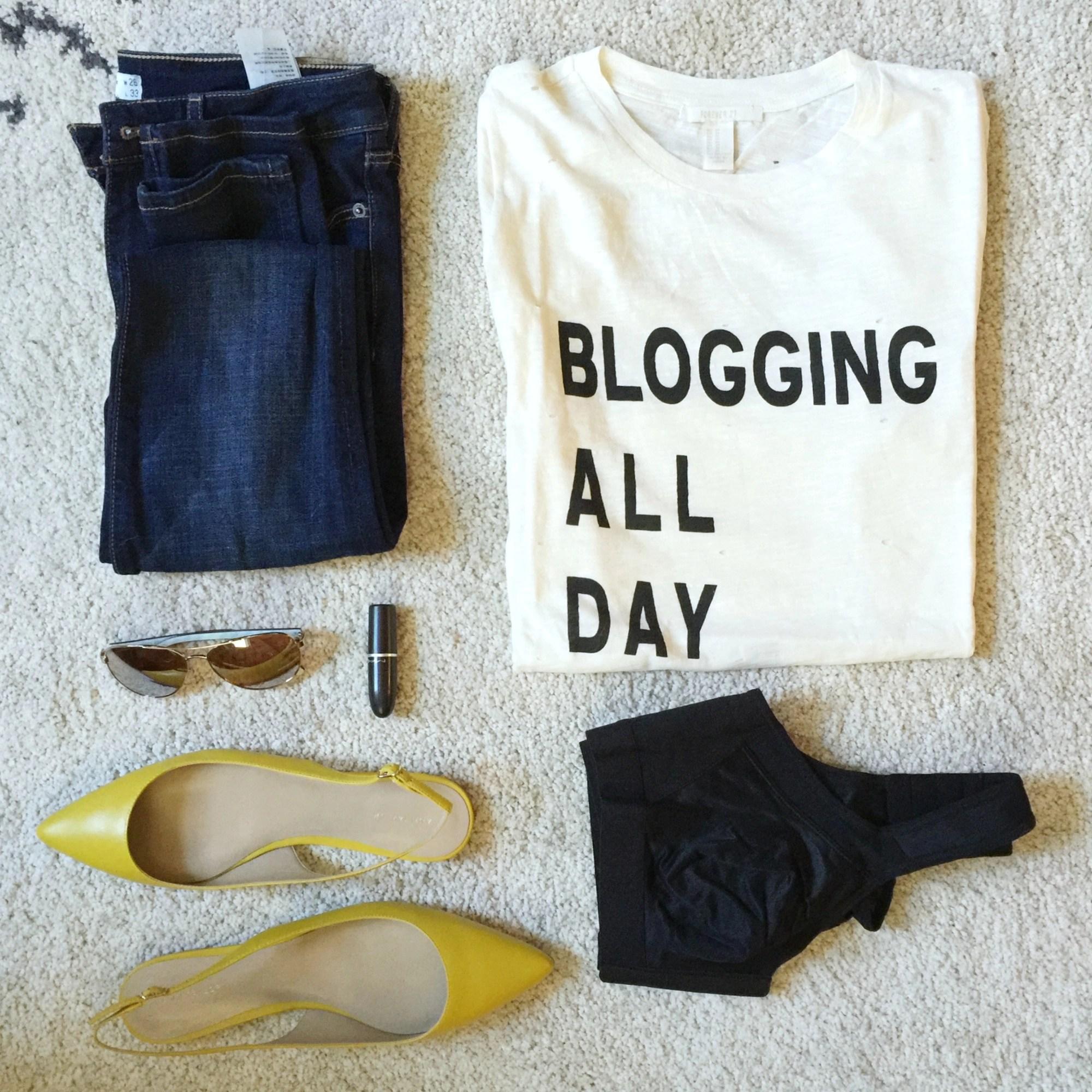 blogger-flat-lay
