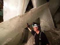 Mega stora selenitkristaller från den berömde grottan i Mexiko