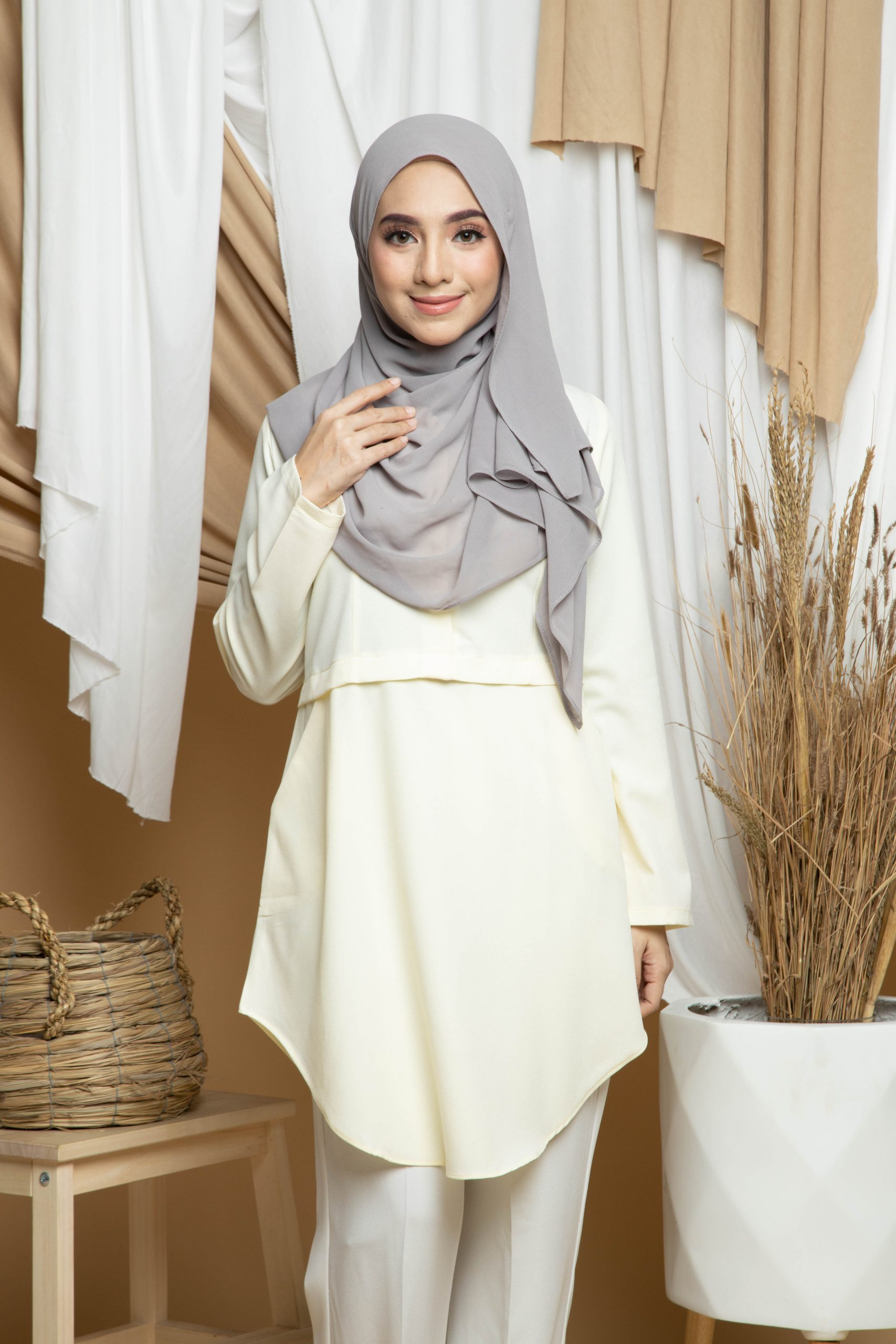 Amisya Long Blouse 03