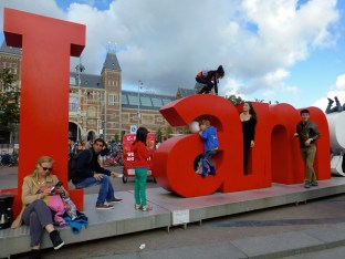 ::madness on the IAmsterdam sign::