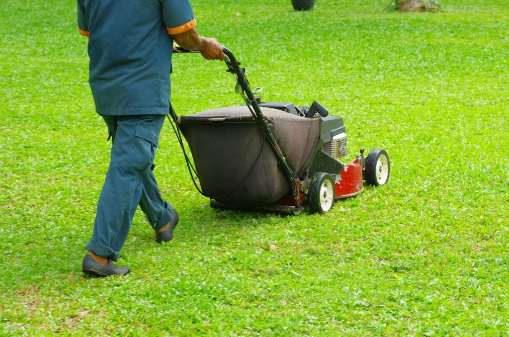 Butler County Landscaping - Lawn Care 1