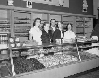 Gamer's Bakery Staff