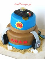 wallet and head phones cake 1wtr