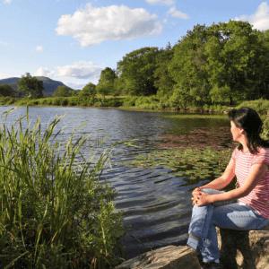 Lady praying-Benefits of prayer