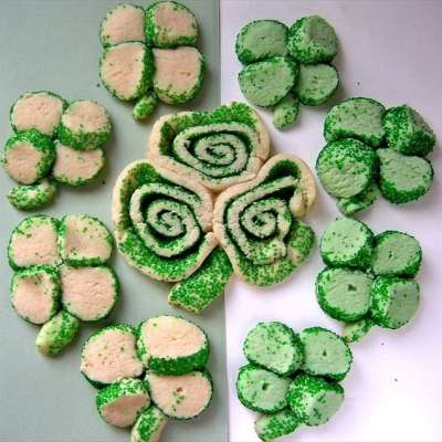 ST. PATRICKS DAY SUGAR COOKIES