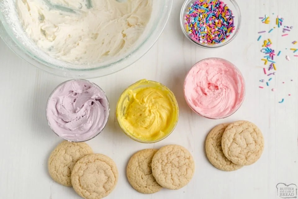 how to frost soft sugar cookies