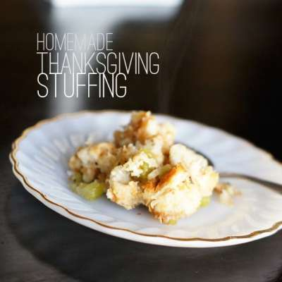 (THE BEST) HOMEMADE THANKSGIVING STUFFING!