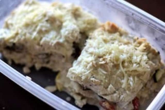 CROCKPOT CHICKEN & VEGETABLE ALFREDO LASAGNA: Butter with a Side of Bread