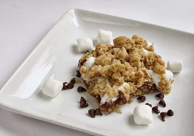 Butter With a Side of Bread: Oatmeal Chocolate Chip Marshmallow Bars