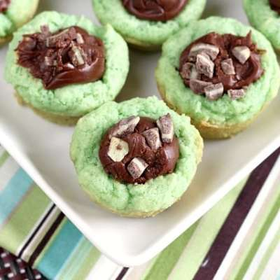 MINT COOKIE FUDGE CUPS