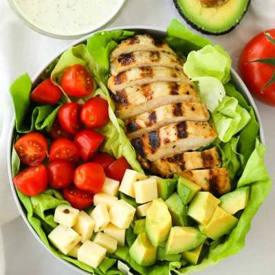 GRILLED CHICKEN SALAD WITH PESTO RANCH DRESSING