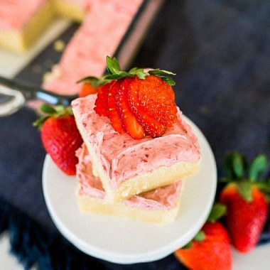 Sugar Cookie Bars with Strawberry Frosting is the perfect spring-time dessert! The fruity frosting is the perfect way to level up your dessert!