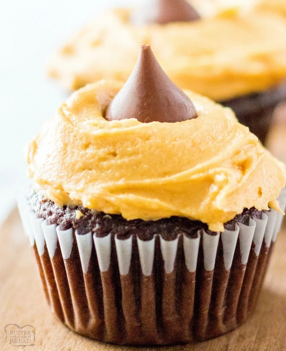 Easy cream cheese peanut butter frosting recipe
