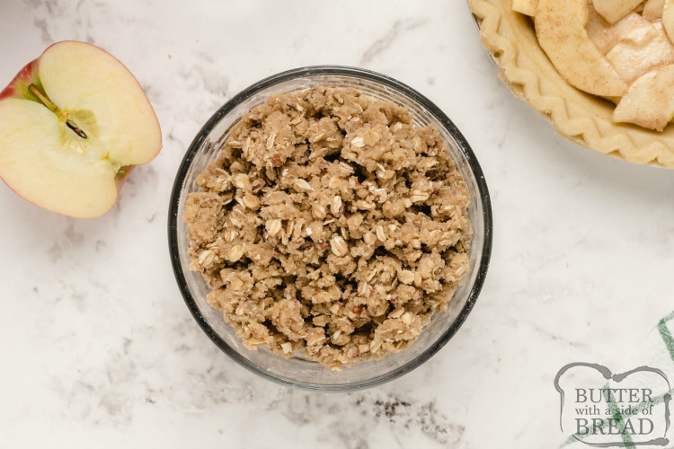 Butter, oat and brown sugar topping for apple pie