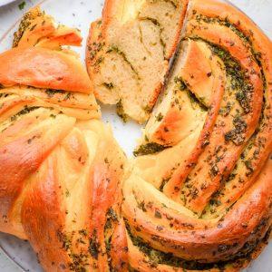 How to make Homemade Italian Herbs and Cheese Bread