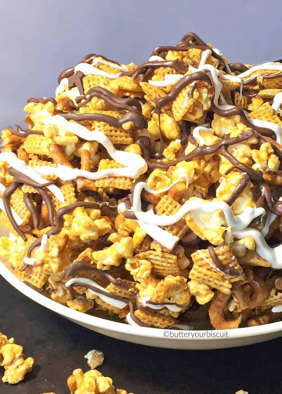crunchy-caramel-snack-mix-1