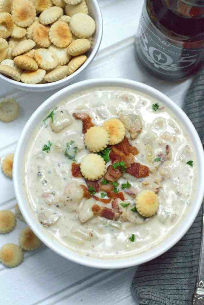 Thick and Creamy New England Clam Chowder