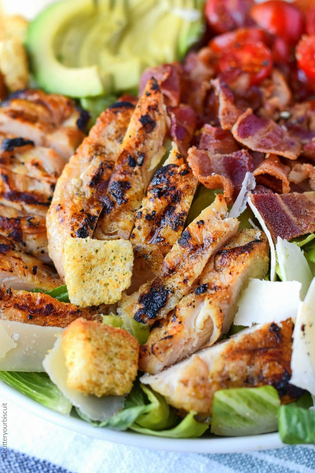 grilled chicken on the salad