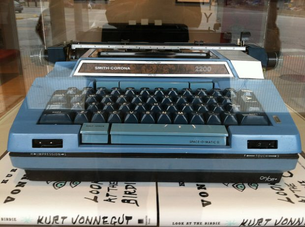 Kurt Vonnegut's typewriter, image by Flickr user Dustin Batt