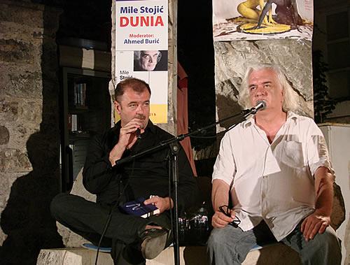 Ahmed Buric i Mile Stojic na Trgu pjesnika