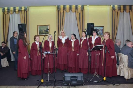 Ženska volaklna grupa Harmonija iz Budve na Paštrovskoj večeri u Beogradu
