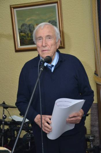 Dr Miroslav Luketić pjeva rusku lirsku pjesmu
