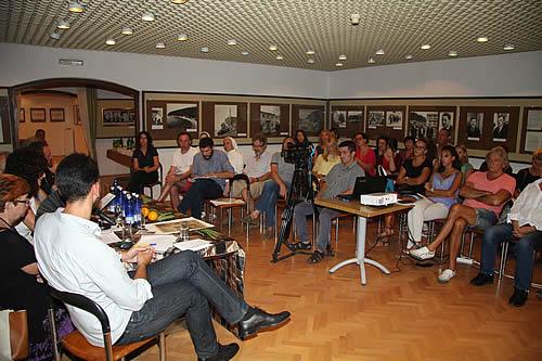 Učesnici i posjetioci okruglog stola